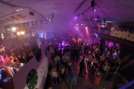 gallery-party-beleuchtung-movinglights-traversen
